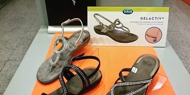 Zapatos cómodos en Personas WIP. Pies sanos