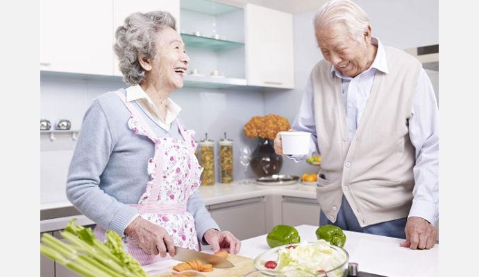 10 ayudas en la cocina que incrementan la autonomía de las personas mayores